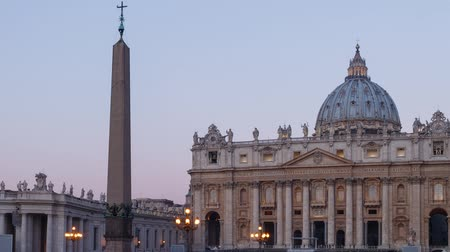vatikan : St. Peters Square at dawn, Vatican, Rome, Italy. Time Lapse