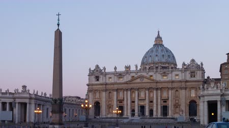 watykan : St. Peters Cathedral at dawn, Vatican City, Rome, Italy. UltraHD 4K Wideo