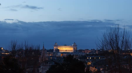 rzym : Vittorio Emanuele II at dawn. Zoom. Rome, Italy. Time Lapse. UltraHD (4K)