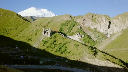 ágil : Elbrus from the north. The Sultan waterfall on the Kyzyl-Su river. Aerial view. Kabardino-Balkaria, Russia, From Dron Stock Footage
