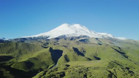 ágil : Elbrus from the north in the summer. Aerial view. Kabardino-Balkaria, Russia, From Dron Stock Footage