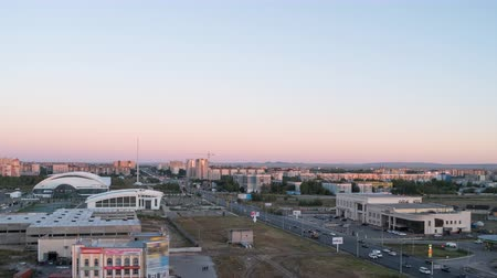 kazahsztán : Sunset over the city of Karaganda. Kazakhstan. Zoom. Time Lapse