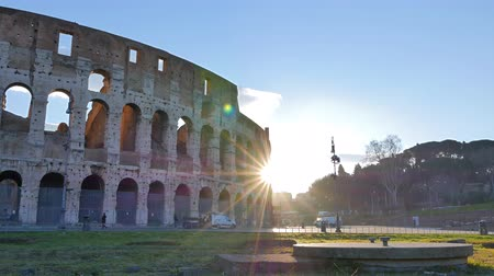 colosseo : Colosseum, Sunrise.Time Lapse. Rome, Italy