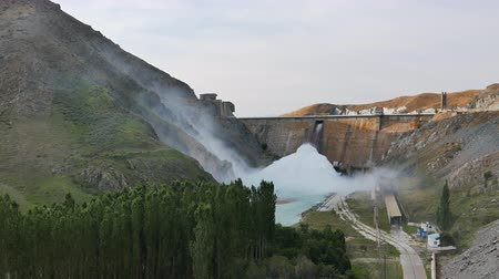 плотина : Kirov reservoir dam. (Built 1965 - 1975). Valley Talas, Kyrgyzstan