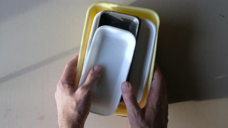 atmak : Handing over to the point of processing. plastic containers.
