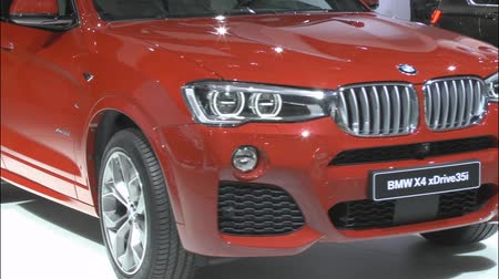 престиж : The new crossover BMW X4 xDrive35i at the International Automobile Salon on August 28.2014 in Moscow
