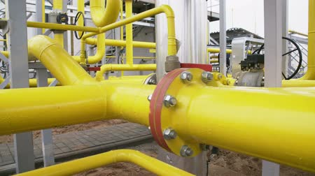 boru hattı : yellow pipe on gas plant. shot with slider Stok Video