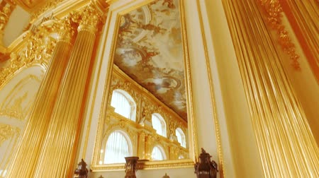 saray : RUSSIA ST.PETERBURG- 22 APRIL: interior of the Russian Royal Palace Stok Video
