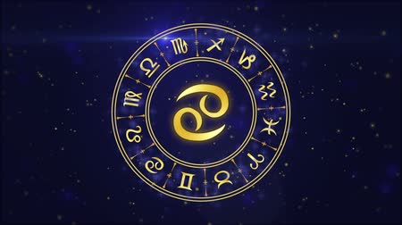 zodyak : Zodiac sign Cancer and horoscope wheel on the dark blue background
