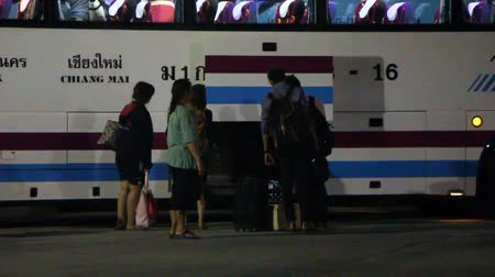 velocímetro : CHIANGMAI , THAILAND - NOVEMBER 4 2013: Super long 15 meter bus no.18-16 of Sombattour company. Route Bangkok and Chiangmai. Footage at Chiangmai bus station, thailand.  Stock Footage