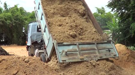 guba : Dump truck working