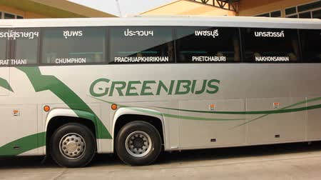 velocímetro : CHIANG MAI, THAILAND - MARCH 18 2015: New Scania 15 Meter bus of Greenbus company. Route Phuket and Chiangmai. VIP bus with personal lcd tv, Footage at Chiangmai bus station, thailand. Stock Footage