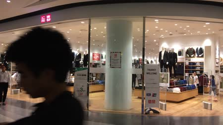 uniqlo : CHIANGMAI, THAILAND -OCTOBER 21 2016: Uniqlo store. Uniqlo Co., Ltd. is a Japanese casual wear designer, manufacturer and retailer. Footage at Central Festival chiang mai. Stock Footage