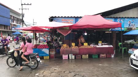 Chiangmai, Thailand - October 14 2019: Phudoi Market. Rural Market in Urban Fringe of chiang mai. Location on road no.1101 about 3 km from chiangmai city. Chiangmai, Thailand. Stock Footage