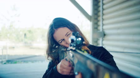 harcos : The pretty girl takes aim the crossbow