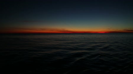 repousante : magical sunset on the ocean