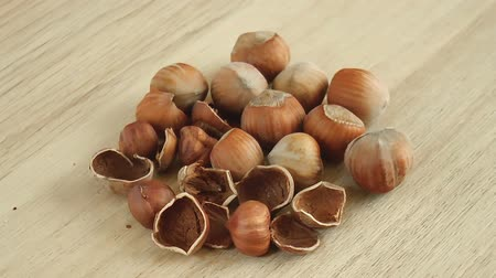 avelã : Hazelnuts nuts. Food background. Close up rotation