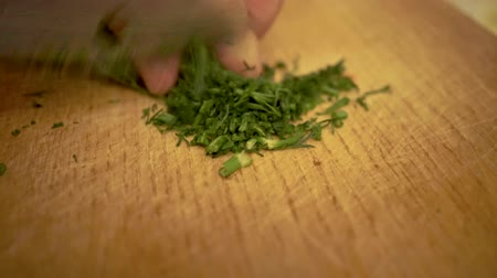 tomilho : 4k, Cooking food, Close up of fresh cut fennel on wooden board. Close up of fresh dill on wooden board. Preparation salad. Food ingredients. copy space