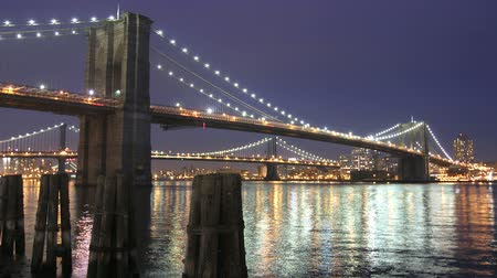 mosty : Evening time lapse of Brooklyn Bridge in New York