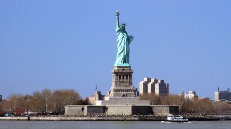 статуя : View of the Statue of Liberty from the Staten Island Ferry