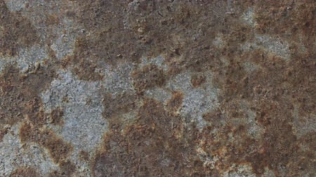 царапина : Use this texture to lighten your footage with a grungy dirt texture, good for old-film looks. Use the %u201CScreen%u201D blending mode when compositing. Стоковые видеозаписи