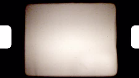 царапина : Five effects that mimic the flickers and film burns of old 8mm film playing through a projector.