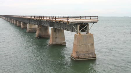 pomost : An incomplete bridge at Pigeon Key in the Florida Keys