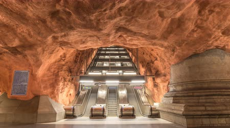 İskandinavya : Stockholm Sweden time lapse 4K, timelapse at Radhuset Metro Station Stok Video