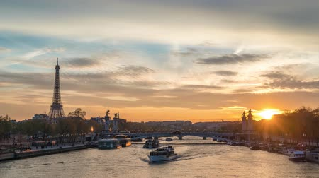 pont : Paris France time lapse 4K, city skyline sunset timelapse at Seine River with Pont Alexandre III bridge and Eiffel Tower