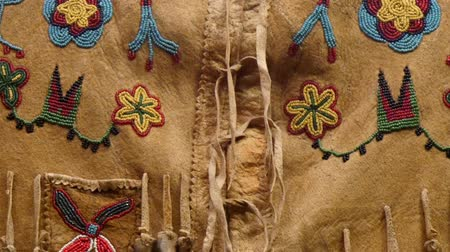 gençlik kültürü : Details of the beads from the American Indian clothings