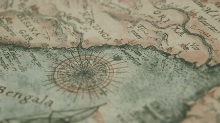 pusula : The old kind of map with the location of Bengala Stok Video