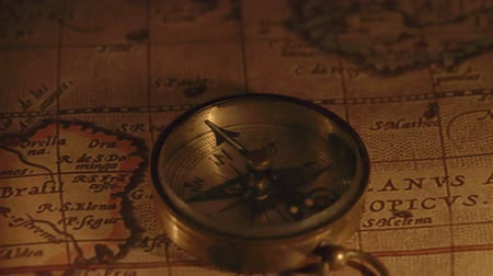 pusula : Zoom out view of the compass on a map