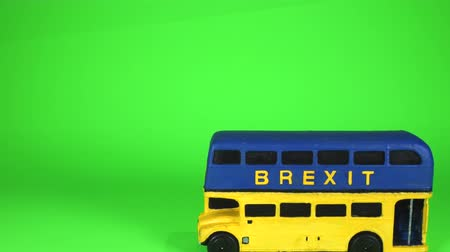One of the famous parts of the Brexit vote was the bus that showed the £350 million on the side of it. Here is a spin off of that Brexit bus. 動画素材