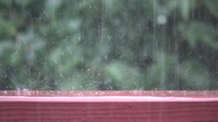 Bouncing raindrops in slow motion