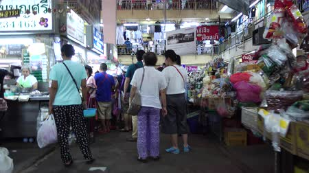 pastas : CHIANG MAI, THAILAND - JULY 20: Unidentified shoppers souvenir at Warorot market on July 20, 2016 in Chiang Mai, Thailand. The famous market has been in operation since 1910.