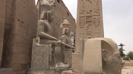 faraon : Buildings and columns of ancient Egyptian megaliths. Ancient ruins of Egyptian buildings