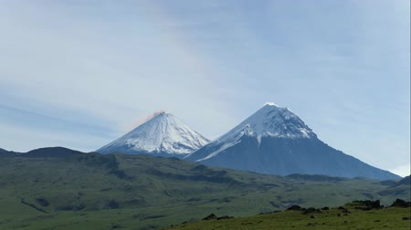 gush : The Kamchatka volcano. Klyuchevskaya hill. The nature of Kamchatka, mountains and volcanoes
