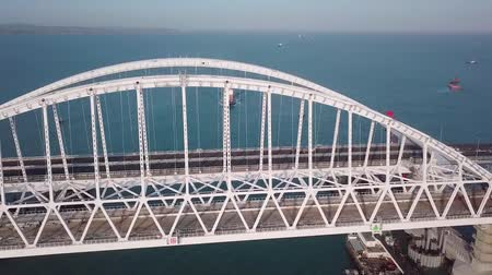Construction of the Crimean bridge. The process of building a bridge. Assembling spans and arches of the bridge. Wideo