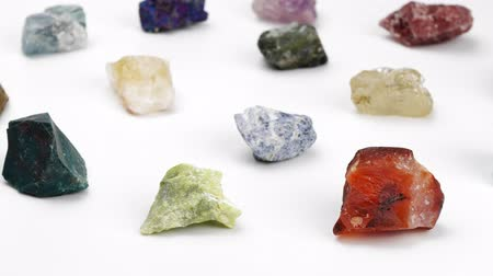 nugget : Minerals on a white background. Rotation Decorative stones. Gemology Jewelcrafting. Lithotherapy.