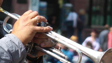 trombeta : Playing Trumpet