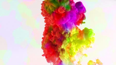 краситель : Colorful Paint Ink Drops Splash in Underwater in Water Pool
