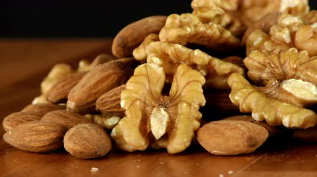 сухой : Almond and Walnut Macro View Стоковые видеозаписи