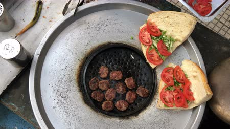 турецкий : Meatball in Turkish Outdoor Style Стоковые видеозаписи