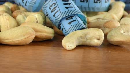 kesudió : Cashew Nuts and Measurement Macro View