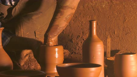 craftswoman : Pot Made of Clay Workshop