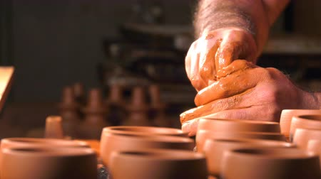 forma : Pot Made of Clay Workshop