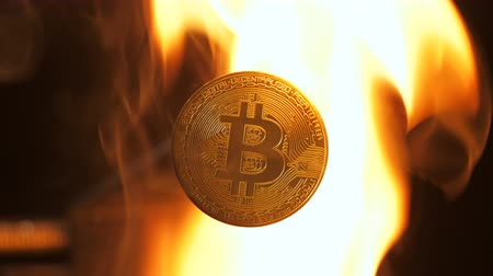 canção : closeup bitcoin model not affected in flames and can changes real money in currency transactions