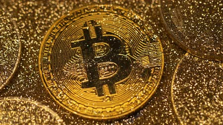vantagem : macro luxury golden bitcoin real model glitters