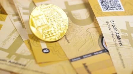 verze : Digital Currency Bitcoins Falls down on Coins Pile