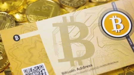 verze : Bitcoin Banknote above Gold Bitcoins and Litecoin